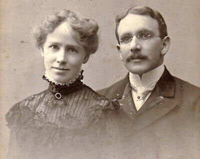 Loving Wife & Husband - 1900s Cabinet Photo - Gilbert & Bacon - Philadelphia