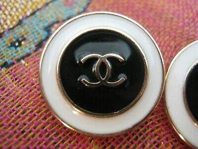 CHANEL 5 black white BUTTONS lot of 6 sz 16mm gold metal  cc logo, 5