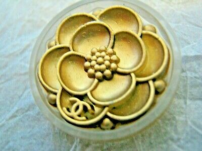 CHANEL 1 BUTTON GOLD CAMELLIA  24 mm , ABOUT 1 inch metal with  cc logo