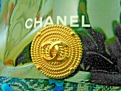 CHANEL 1 BUTTON gold   24 mm , 1 inch metal with  cc logo one pc