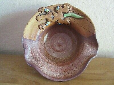 Very Nice Small Pottery Nut or Candy Dish With Southwest Lizard Design, Signed