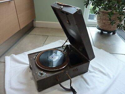 Vintage Selecta portable working wind up gramophone record player