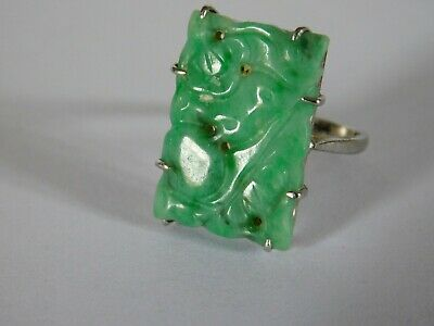 ANTIQUE CHINESE CARVED JADE STONE set into  CARVED SOLID SILVER JADE RING