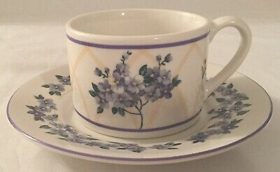 Set of 4 Farberware Hydrangea Flat Cups and Saucers