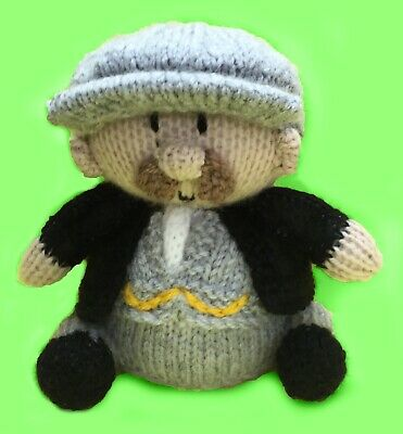 KNITTING PATTERN - Peaky Blinders inspired chocolate orange cover / 15 cms toy
