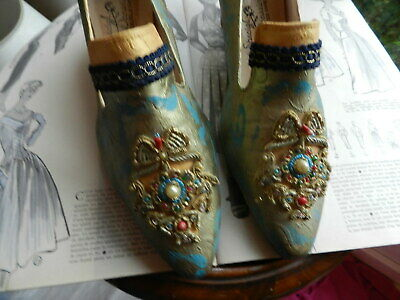 SPECIAL OCCASIONS Made in USA RARES SOULIERS DORÉS AVEC APPLICATIONS P 7 1/2