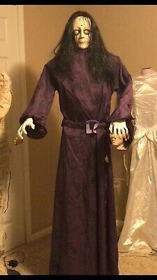 **GRAIL** Gemmy Life Size Posable Haunted Zombie Girl Halloween Prop Animated