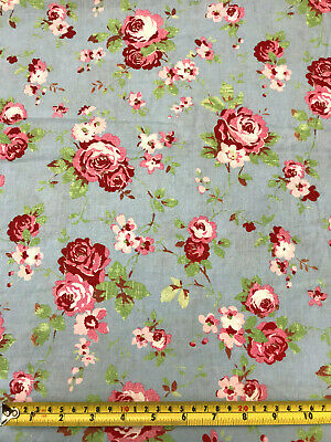 2ps FQ fabric//material baby blue flowers floral scraps CRAFTS QUILTING cotton