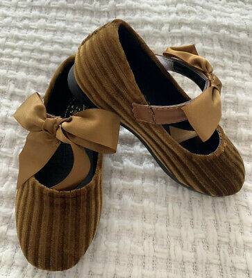 Brand New Velvet Toddler Girls Shoes Gold Sandals With Bows Size 27