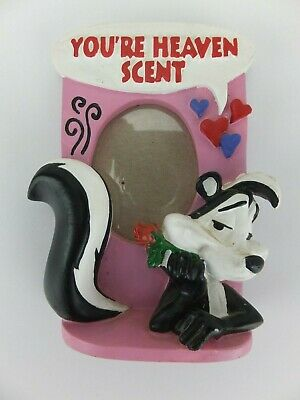 PEPE LE PEW sweetheart picture frame, Looney Tunes circa 1994