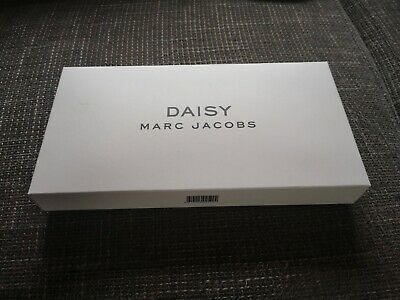 Marc Jacobs Daisy make up bag *BRAND NEW*