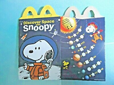 """2019 McDONALD'S HAPPY MEAL PROMO BOX NASA """"DISCOVER SPACE WITH SNOOPY"""" Canada"""