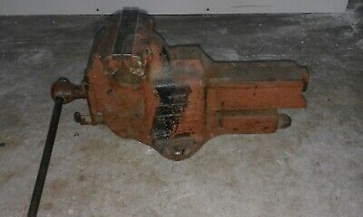 "VINTAGE FORTIS STEEL BENCH VICE. Jaws 7"" wide, open depth 8"" weight 35.7kg."