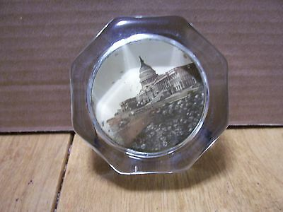 Vintage 8 Sided Smooth Glass Paperweight Of The Capitol Of Washington D.c.