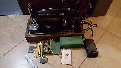 Vintage1951 Singer Sewing Machine W/ Wooden Case
