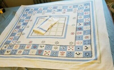 Vintage Linen Tablecloth Blue Motif 42x48 - 4 Napkins birds flowers