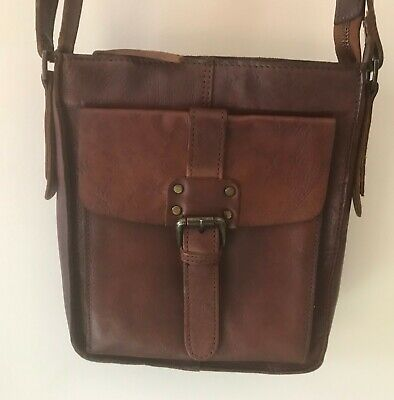 VINTAGE - ASHWOOD LEATHER SHOULDER BAG/ TRAVEL BAG   (Ref PR131)