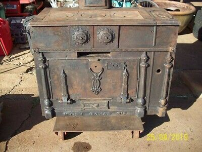 Meters Royal No 2 Cast Iron Stove