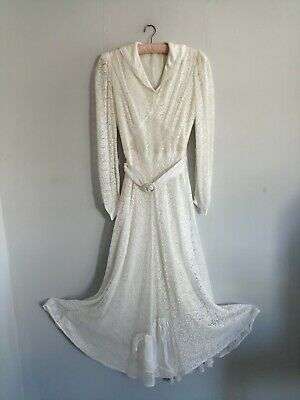 Vintage White 1930s Lace Wedding Dress With Big Beautiful Satin Heart XS