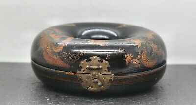 Very Fine Antique Chinese Donut Shape Hand Painted Lacquer Trinket Box c1920s