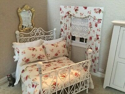 Dollhouse Double Bedding Shabby Chic Very Pretty 1/12 Scale