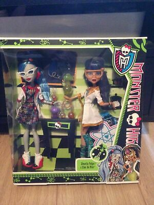 Monster high - Classroom - Ghoulia Yelps & Cleo de Nile