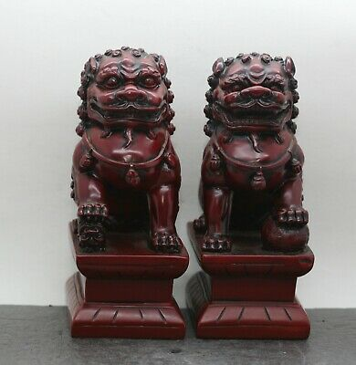 A Pair Of Nicely Made Vintage Chinese Fu Dog Statues Made Of Composite