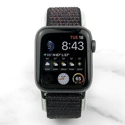 Apple Watch Series 4 44 mm Space Gray Aluminum with Black Nylon Loop GPS 7/10