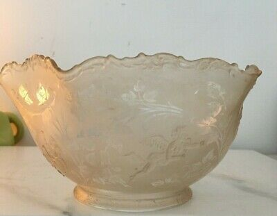 antique clear glass and embossed cherubs oil lamp shade