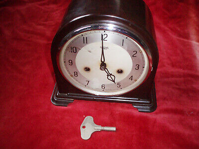 Smiths Enfield Striking 8 Day Bakelite Mantle Clock