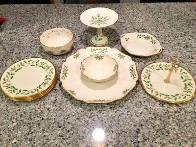 Lenox Holiday Dimension Collection Pieces - Berries & Holly - 24k Gold Trim Mint