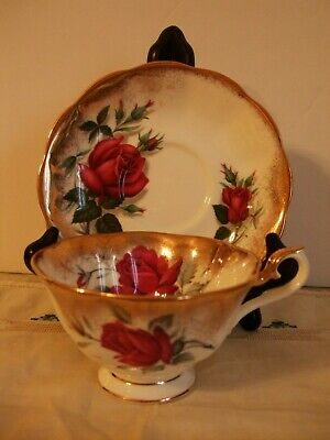 Vint Royal Albert bone china Teacup Tea cup & Saucer Heavy Gold Gilt & Red Roses