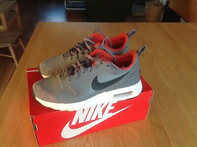 Nike Air Max Tavas Cool Grey Trainers Size UK Youth 4.5 in Original Box