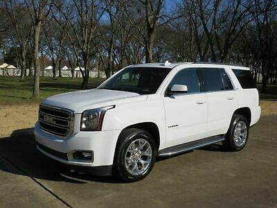 2016 GMC Yukon SLT 1 Owner Perfect Carfax Heated and Cooled Seats TV/DVD Moonroof Quad Buckets Michelin Tires MSRP $63145
