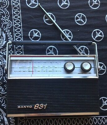 Vintage working Sanyo radio model 831 made in Japan