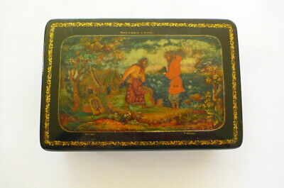 Russian Art Hand Painted Wood Lacquered Lidded Box Jewellery Trinket Box