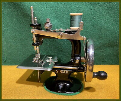 Antique Singer Model 20 ~Rare Made In U.s.a. Mark~ Toy Hand Crank Sewing Machine