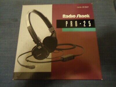 Radio Shack PRO 25  Lightweight Stereo Headphone Black with Box