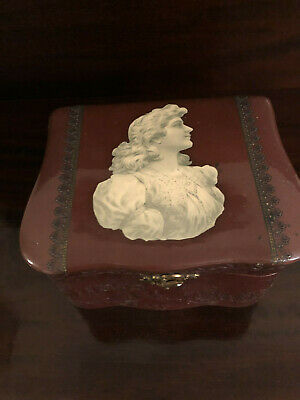 Antique Victorian Celluloid Embossed Collar & Cuffs Dressing Box
