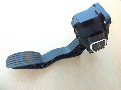 Smart Fortwo 451 Accelerator Throttle Gas Pedal A4513000104