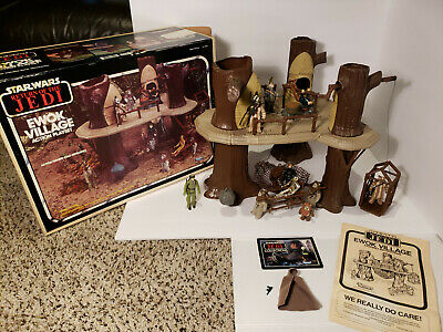Vtg 1983 Star Wars ROTJ Endor Ewok Village COMPLETE w/Box & Extra Figures JEDI