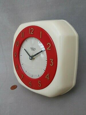 50s 60s SMITHS KITCHEN WALL CLOCK, Vintage RED & CREAM PLASTIC, Retro AA BATTERY