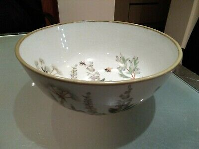 """Vintage Chinese Famille Verte bowl hand painted bees & wild flowers 10""""X5"""" vgc"""