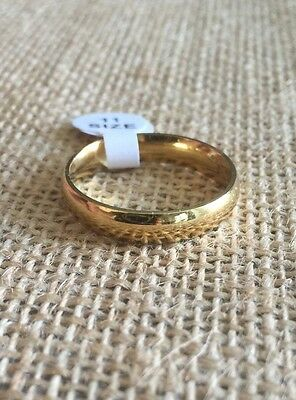 Wedding Band Ring 316L Stainless Steel Gold IP Polished Comfort Fit - Size 6-12