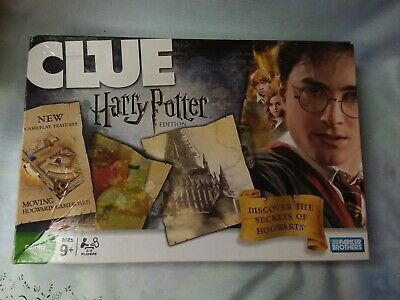 Hasbro Harry Potter Clue 2008 Moving Hogwarts Board (missing two 5 point Tokens)
