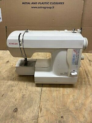 Singer Featherweight Sewing Machine 132 A9