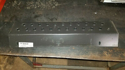 Bobcat S150, S160, S175, S185, S205, T180,Boom front step 6735669 New Old Stock
