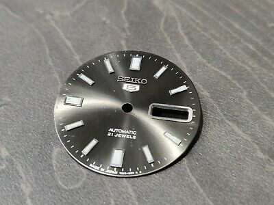 SEIKO DAY DIAL WHEEL SCARCE DUTCH//ENGLISH PN 870085 GENUINE SEIKO NOS