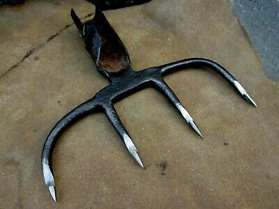 True Antique Primitive Handmade in Iron Unique Harpoon Hunting Fishing 4 Tines