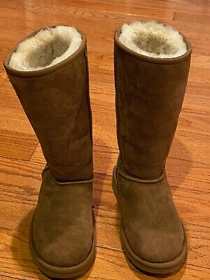 Ugg Australia 5229 Classic Tall Boots Chestnut Suede/Sheepskin Women's Size 2